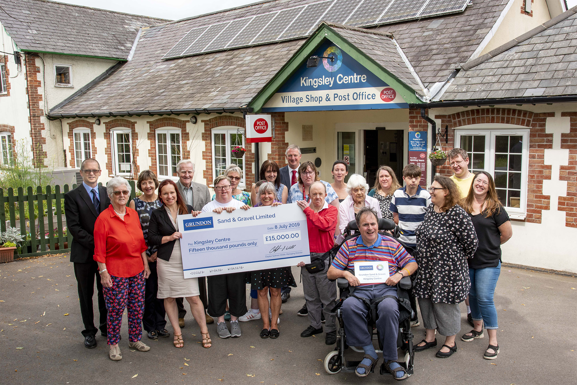 Celebrations as Kingsley Organisation receives a £15,000 grant from Grundon Sand & Gravel