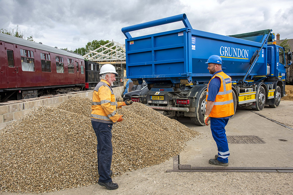 Grundon Sand & Gravel donated over 40 tonnes of building materials directly from its nearby New Barn Farm quarry, near Cholsey.